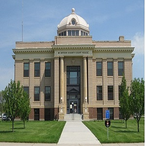 McIntosh_County_Courthouse_-_pixel_300.jpg Image